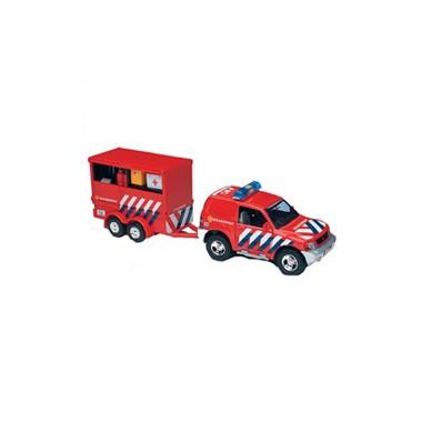 Brandweerauto met aanhangwagen