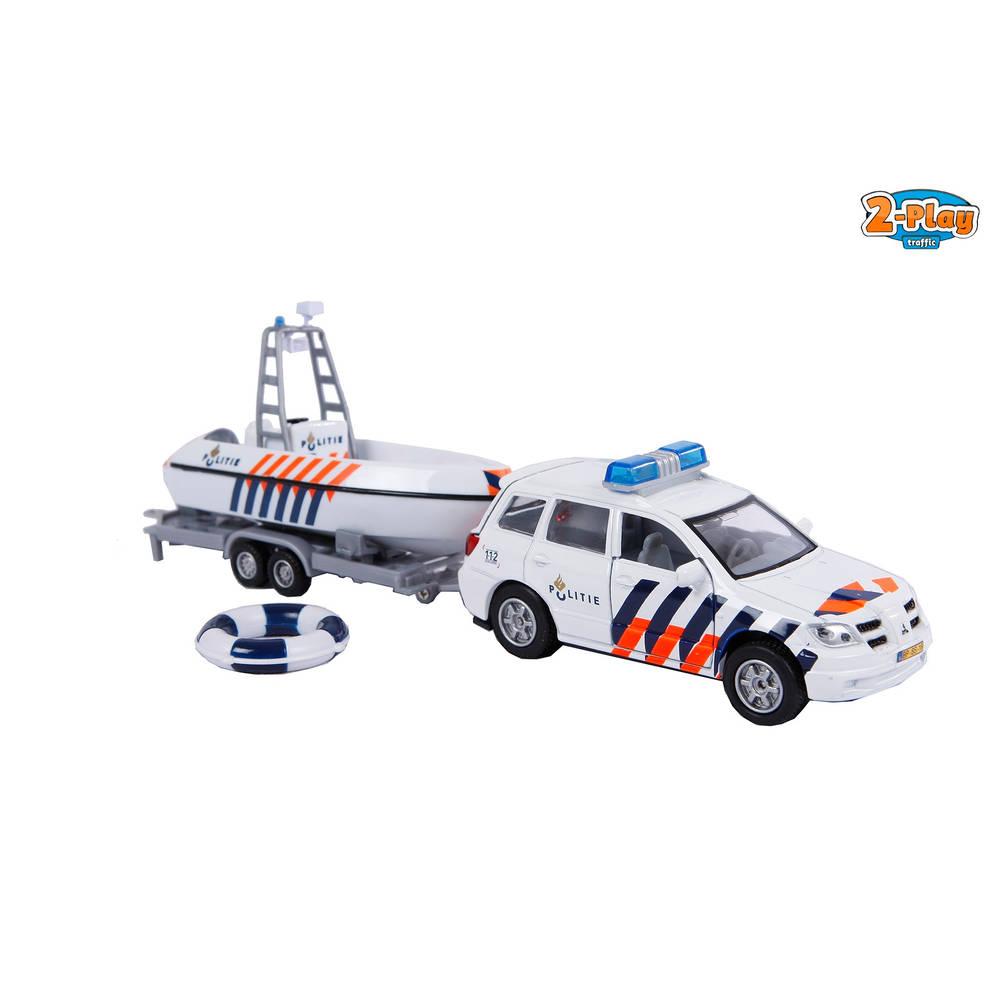 Politieauto met boot