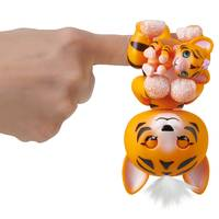 FINGERLINGS BABY TIJGER BENNY ORANJE