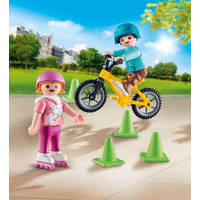 PLAYMOBIL 70061 CHILDREN WITH SKATES AND
