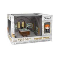 Funko Mini Moment! figuur Harry Potter 20th Anniversary Ron Wemel Toverdranken lokaal